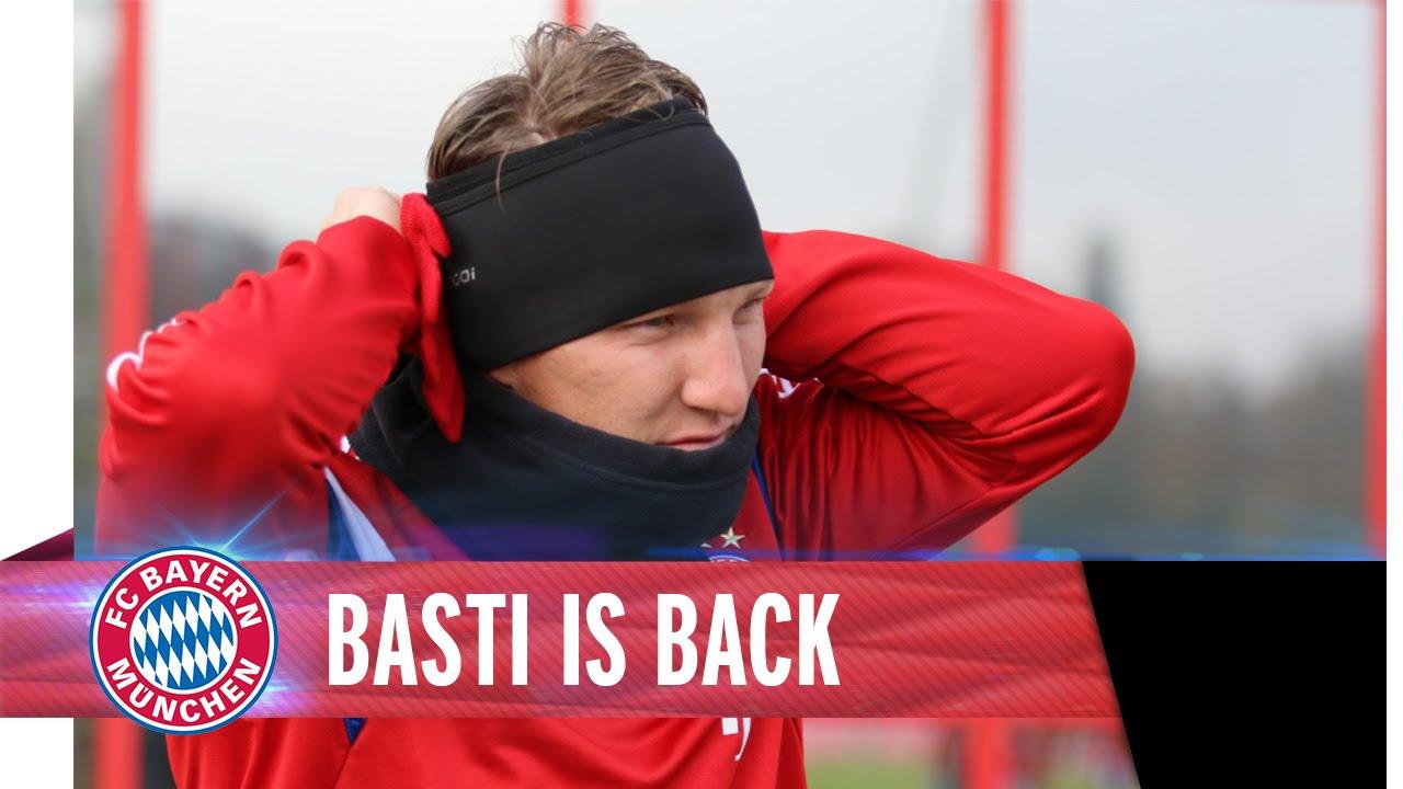 Schweinsteiger back in FC Bayern Training