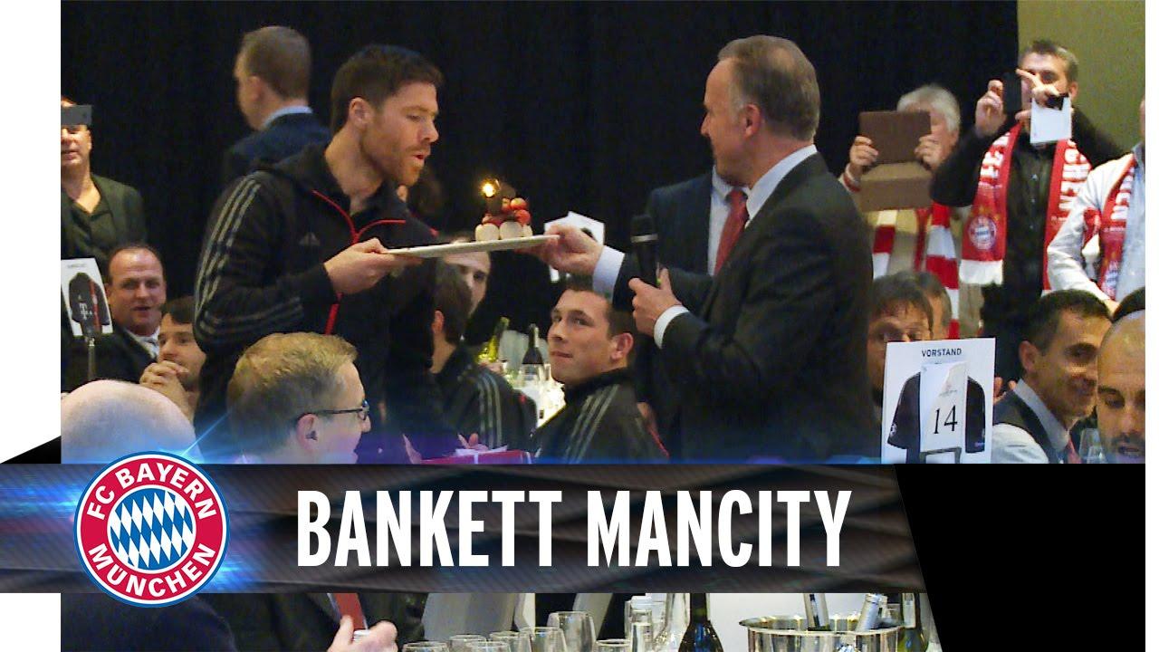 Bankettrede nach FC Bayern vs. ManCity